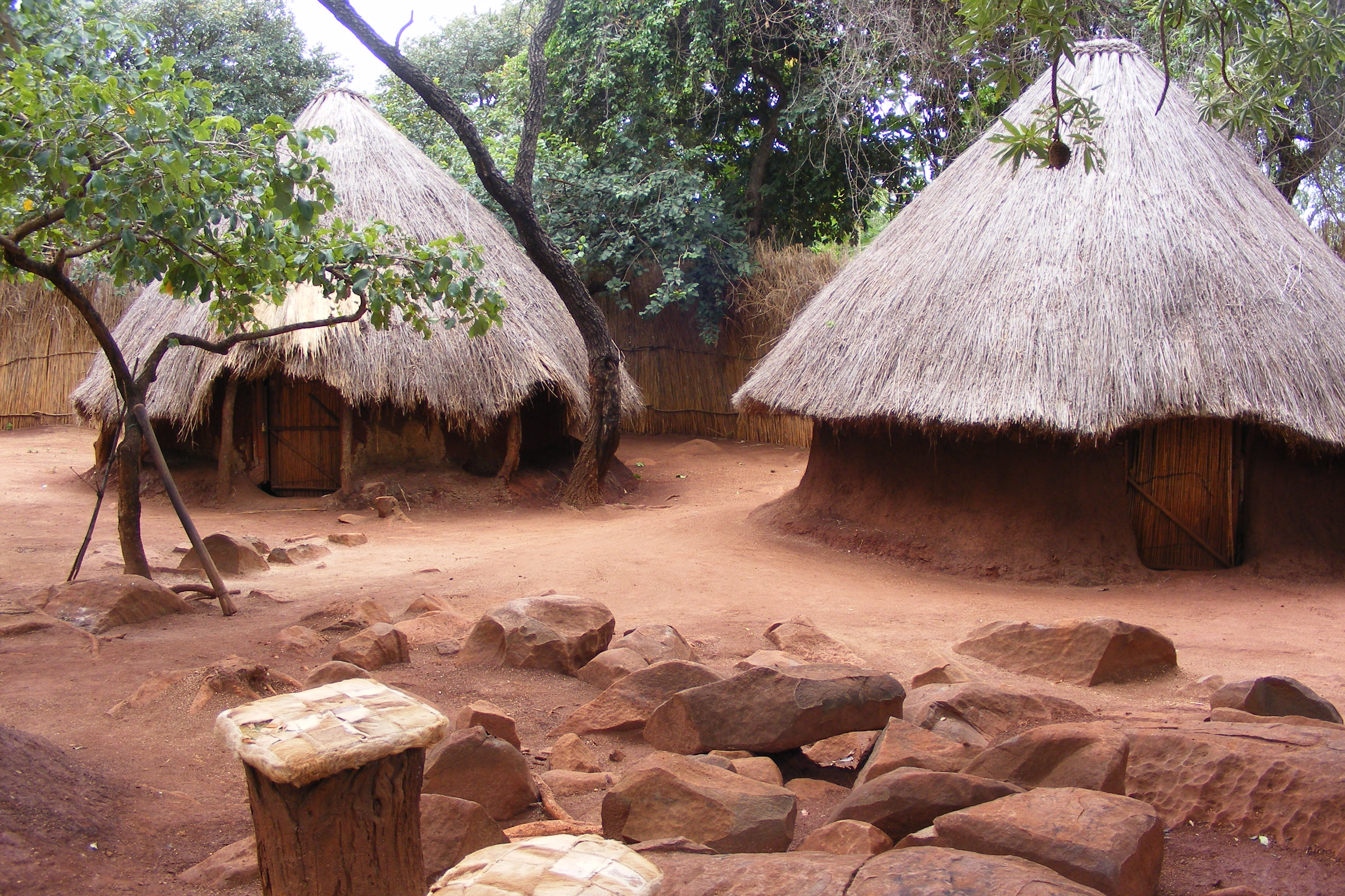 Each of the chief's wives had a separate sleeping hut, which she shared with her own children.