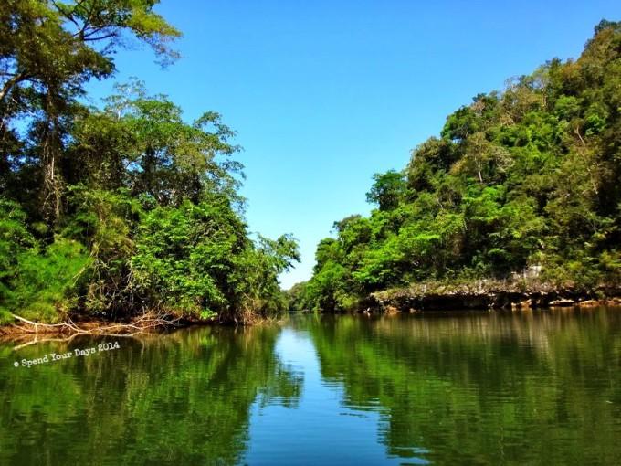 macal river san ignacio belize canoe