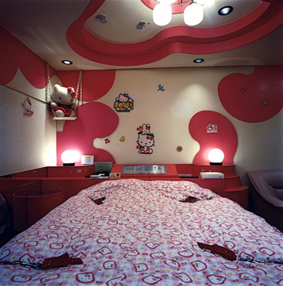 love hotel japan hello kitty room