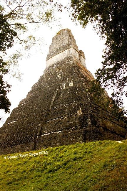 tikal guatemala temple of great jaguar paw