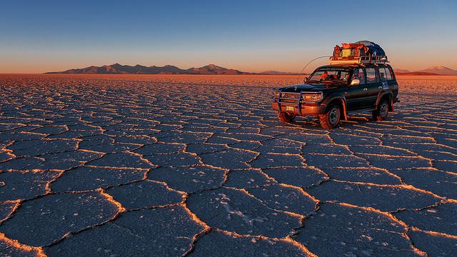 salar de uyuni bolivia desert